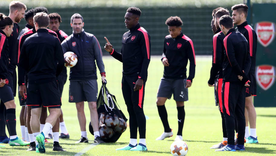 ST ALBANS, ENGLAND - APRIL 25: Danny Welbeck of Arsenal makes a point during an Arsenal Training session ahead of their Europa League semi-final first-leg match against Athletico Madrid at London Colney on April 25, 2018 in St Albans, England. (Photo by Bryn Lennon/Getty Images)