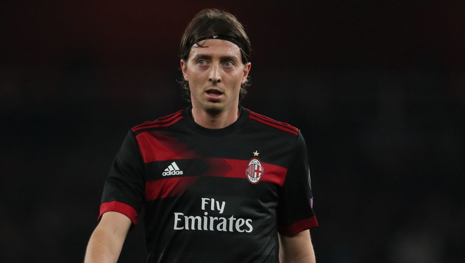 LONDON, ENGLAND - MARCH 15: Riccardo Montolivo of AC Milan during the UEFA Europa League Round of 16: Second Leg match between Arsenal and AC Milan at Emirates Stadium on March 15, 2018 in London, England. (Photo by Matthew Ashton - AMA/Getty Images)