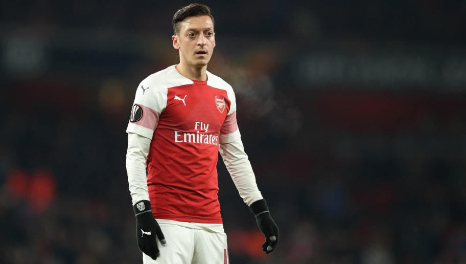 LONDON, ENGLAND - DECEMBER 13: Mesut Ozil of Arsenal during the UEFA Europa League Group E match between Arsenal and Qarabag FK at Emirates Stadium on December 13, 2018 in London, United Kingdom. Photo by James Williamson - AMA/Getty Images)