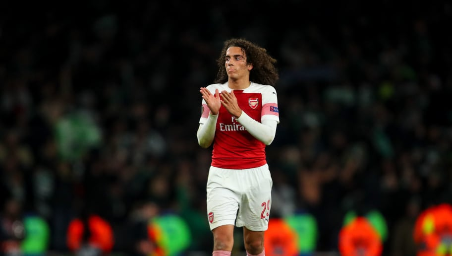 LONDON, ENGLAND - NOVEMBER 08: Matteo Guendouzi of Arsenal applauds the fans at full time during the UEFA Europa League Group E match between Arsenal and Sporting CP at Emirates Stadium on November 8, 2018 in London, United Kingdom. (Photo by Robbie Jay Barratt - AMA/Getty Images)