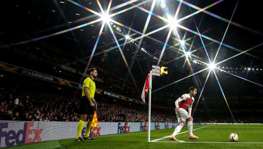 LONDON, ENGLAND - NOVEMBER 08:  A general view of match action at The Emirates Stadium, home stadium of Arsenal as Henrikh Mkhitaryan of Arsenal takes a corner during the UEFA Europa League Group E match between Arsenal and Sporting CP at Emirates Stadium on November 8, 2018 in London, United Kingdom. (Photo by Robbie Jay Barratt - AMA/Getty Images)
