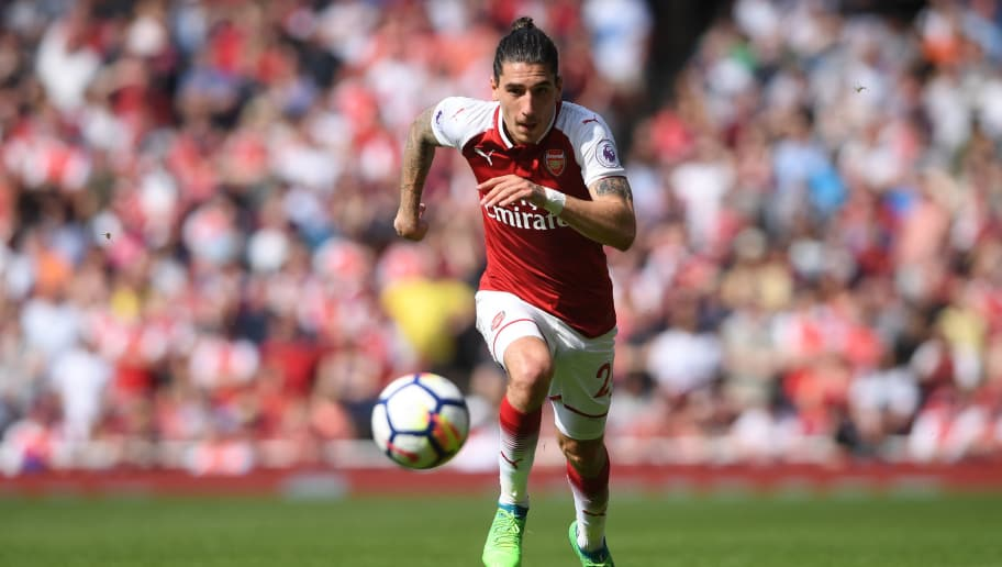 LONDON, ENGLAND - APRIL 22:  Hector Bellerin of Arsenal in action during the Premier League match between Arsenal and West Ham United at Emirates Stadium on April 22, 2018 in London, England.  (Photo by Mike Hewitt/Getty Images)