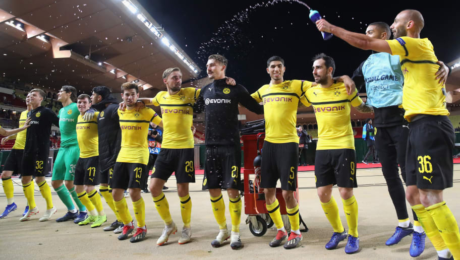MONACO - DECEMBER 11:  Players of Dortmund celebrates victory after winning  the UEFA Champions League Group A match between AS Monaco and Borussia Dortmund at Stade Louis II on December 11, 2018 in Monaco, Monaco.  (Photo by Alexander Hassenstein/Bongarts/Getty Images)