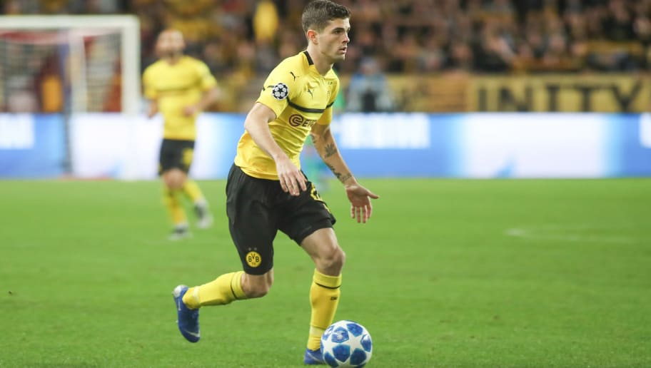 MONACO, MONACO - DECEMBER 11: Christian Pulisic of Borussia Dortmund controls the ball during the UEFA Champions League Group A match between AS Monaco and Borussia Dortmund at Stade Louis II on December 11, 2018 in Monaco, Monaco. (Photo by TF-Images/TF-Images via Getty Images)