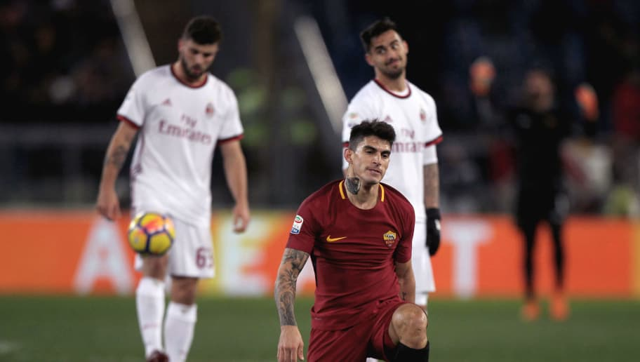 ROME, ITALY - FEBRUARY 25:  Diego Perotti of AS Roma reacts during the serie A match between AS Roma and AC Milan at Stadio Olimpico on February 25, 2018 in Rome, Italy.  (Photo by Paolo Bruno/Getty Images)