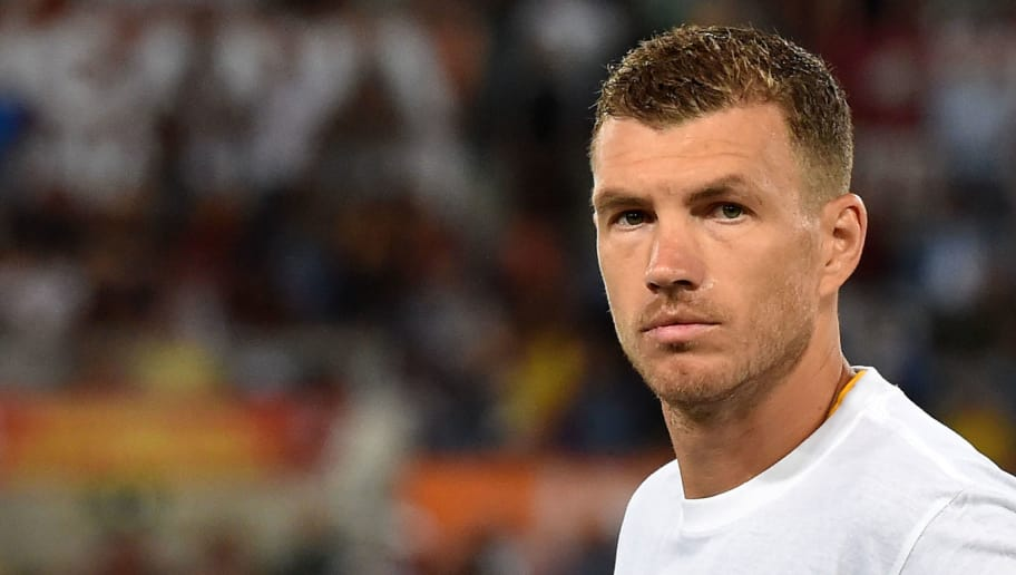 ROME, ITALY - AUGUST 27:  Edin Dzeko of AS Roma   prior the Serie A match between AS Roma and Atalanta BC at Stadio Olimpico on August 27, 2018 in Rome, Italy.  (Photo by Giuseppe Bellini/Getty Images)