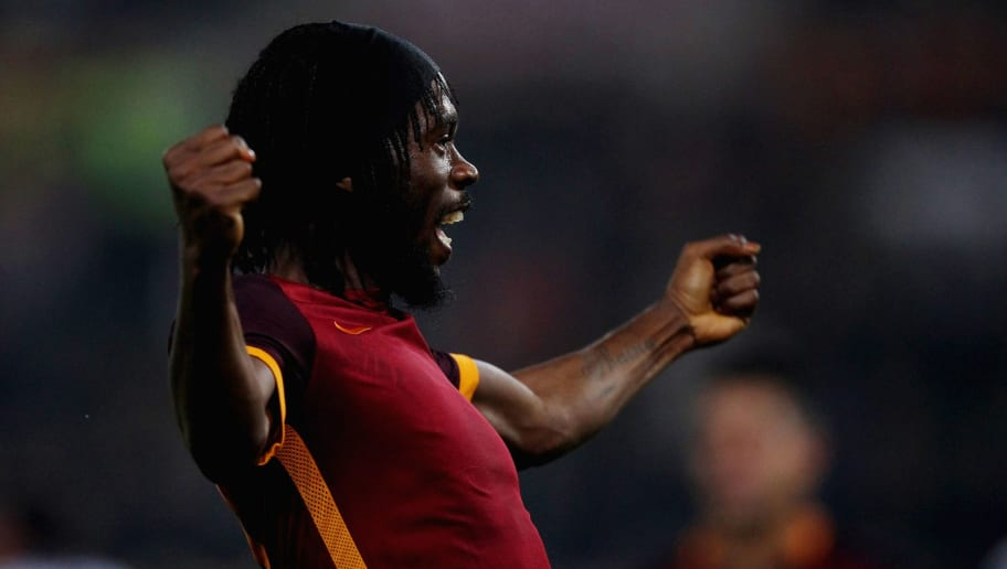 ROME, ITALY - OCTOBER 28:  Gervinho of AS Roma celebrates after scoring the team's third goal during the Serie A match between AS Roma and Udinese Calcio at Stadio Olimpico on October 28, 2015 in Rome, Italy.  (Photo by Paolo Bruno/Getty Images)