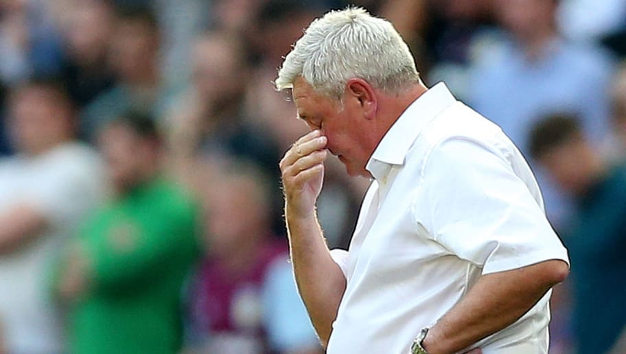 LONDON, ENGLAND - MAY 26:  Steve Bruce, Manager of Aston Villa reacts during the Sky Bet Championship Play Off Final between Aston Villa and  Fulham at Wembley Stadium on May 26, 2018 in London, England.  (Photo by Alex Morton/Getty Images)