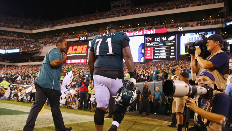 PHILADELPHIA, PA - SEPTEMBER 06:  Jason Peters #71 of the Philadelphia Eagles walks to the locker room after suffering an apparent injury during the second half against the Atlanta Falcons at Lincoln Financial Field on September 6, 2018 in Philadelphia, Pennsylvania.  (Photo by Mitchell Leff/Getty Images)