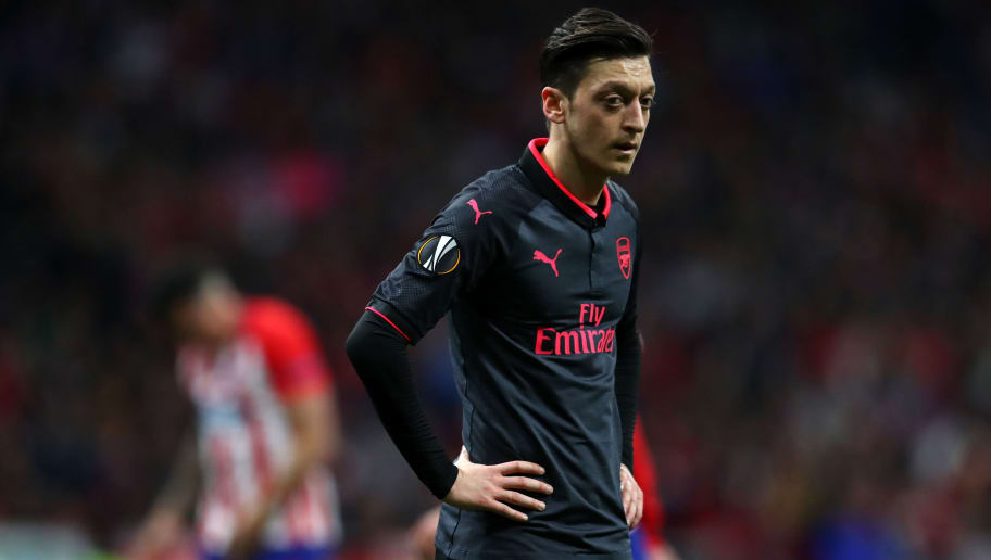 MADRID, SPAIN - MAY 03: Mesut Ozil of Arsenal during the UEFA Europa League Semi Final second leg match between Atletico Madrid  and Arsenal FC at Estadio Wanda Metropolitano on May 3, 2018 in Madrid, Spain. (Photo by Catherine Ivill/Getty Images)