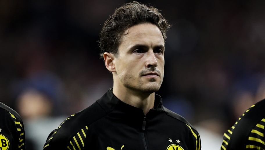 MADRID, SPAIN - NOVEMBER 6: Thomas Delaney of Borussia Dortmund during the UEFA Champions League  match between Atletico Madrid v Borussia Dortmund at the Estadio Wanda Metropolitano on November 6, 2018 in Madrid Spain (Photo by David S. Bustamante/Soccrates/Getty Images)