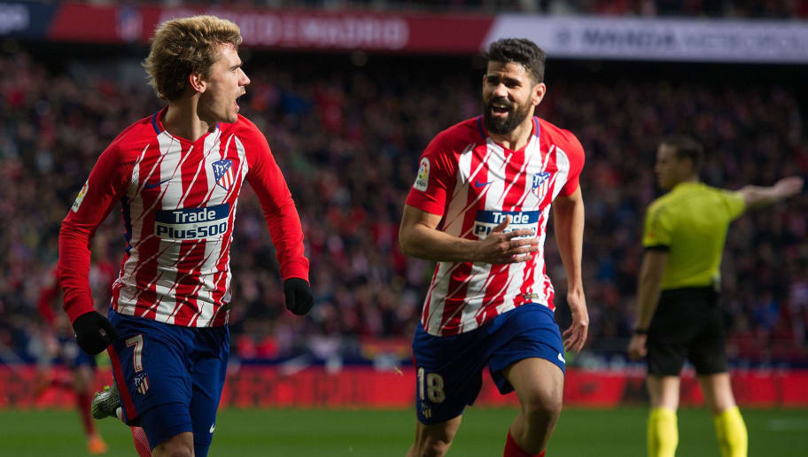 MADRID, SPAIN - MARCH 11: Antoine Greizmann of Atletico de Madrid celebrates with Diego Costa after scoring his team's opening goal during the La Liga match between Atletico Madrid and Celta de Vigo at Wanda Metropolitano stadium on March 11, 2018 in Madrid, Spain. (Photo by Denis Doyle/Getty Images)