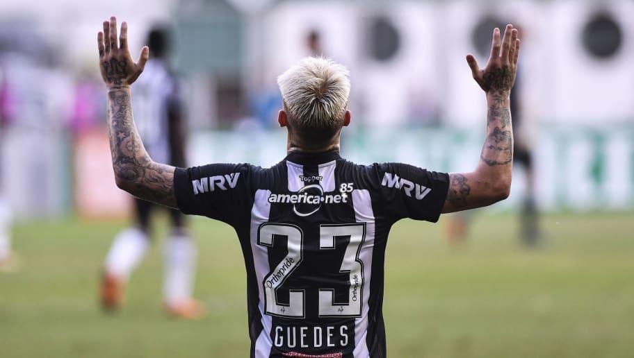 Torcida do Corinthians se anima nas redes sociais com possibilidade de mais reforços