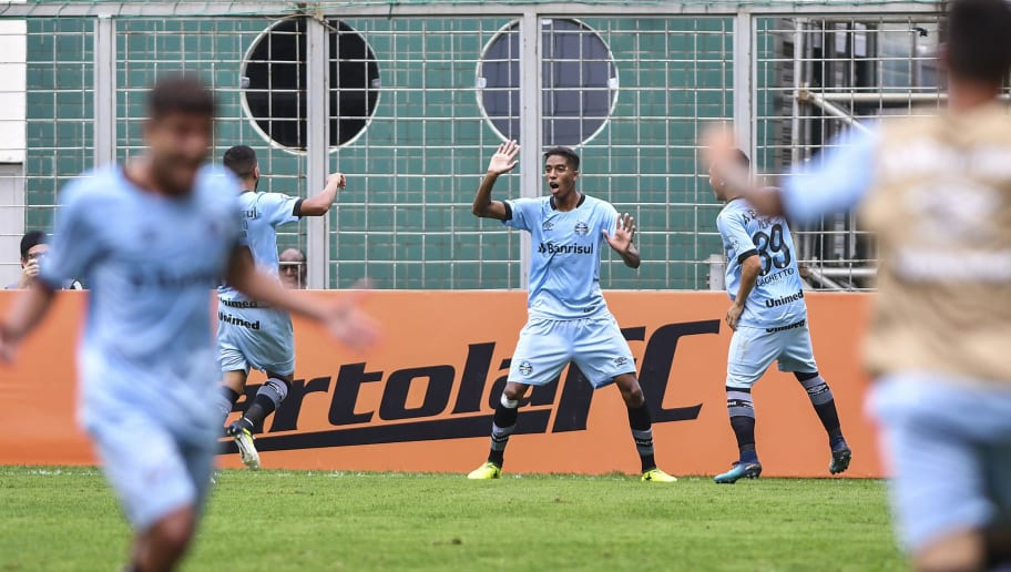 9ed46947595e4 Aposta em prata da casa faz Grêmio desistir de contratar meio-campista