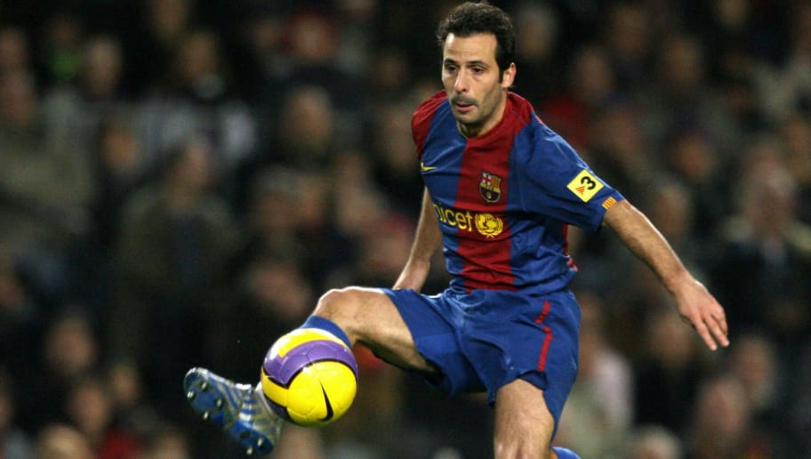 Barcelona's Ludovic Giuly controls the b