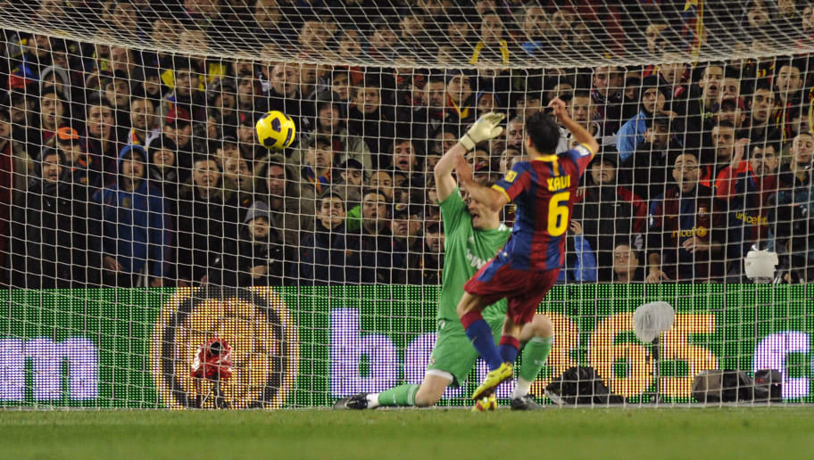 Barcelona's midfielder Xavi Hernandez (F