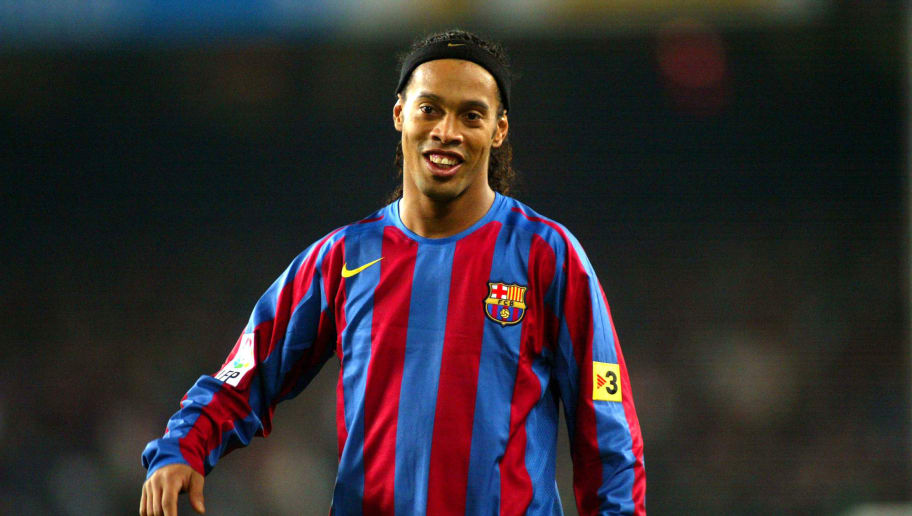 BARCELONA, SPAIN - DECEMBER 20:  Ronaldinho of FC Barcelona during La Liga match between FC Barcelona and Celta on December 20, 2005 at the Camp Nou stadium in Barcelona, Spain.  (Photo by Luis Bagu/Getty Images)