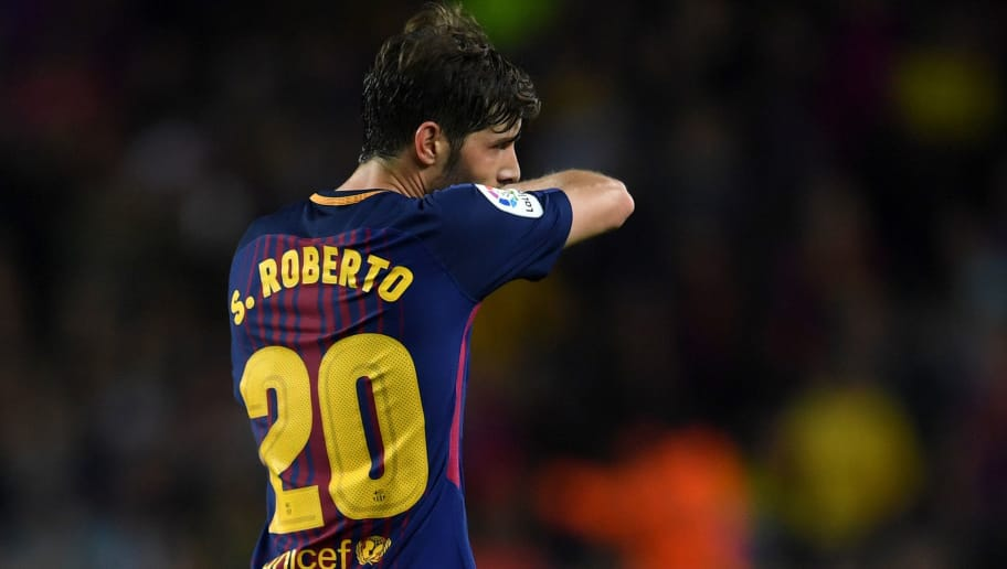 BARCELONA, SPAIN - MAY 06:  Sergi Roberto of Barcelona (20) walks off the pitch as he is sent off during the La Liga match between Barcelona and Real Madrid at Camp Nou on May 6, 2018 in Barcelona, Spain.  (Photo by David Ramos/Getty Images)