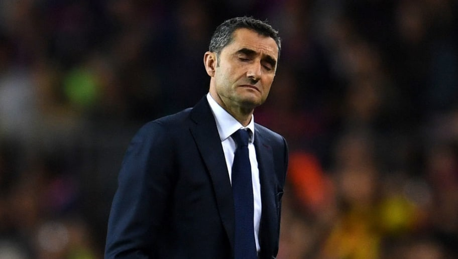 BARCELONA, SPAIN - MAY 06:  Ernesto Valverde, coach of Barcelona reacts during the La Liga match between Barcelona and Real Madrid at Camp Nou on May 6, 2018 in Barcelona, Spain.  (Photo by David Ramos/Getty Images)