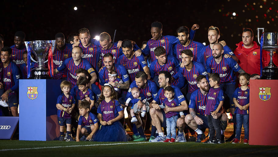 BARCELONA, SPAIN - MAY 20:  Players of Barcelona celebrates at the end of the La Liga match between Barcelona and Real Sociedad at Camp Nou on May 20, 2018 in Barcelona, Spain.  (Photo by Quality Sport Images/Getty Images)
