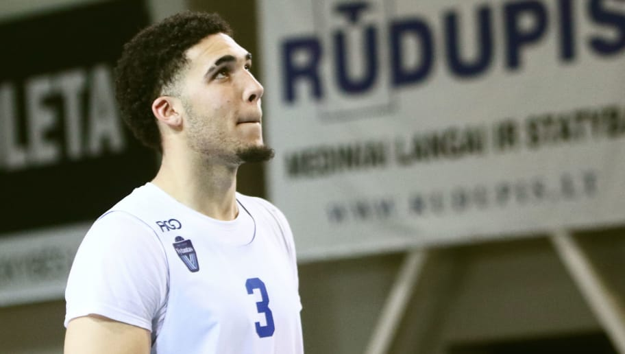 US basketball player LiAngelo Ball takes part in his first training session in Prienai, Lithuania, where he will play for the Vytautas club on January 5, 2018. Basketball-crazed Lithuania welcomed LiAngelo and LaMelo Ball, the two youngest sons of flamboyant Los Angeles entrepreneur LaVar Ball who recently made headlines due to a feud with US President Donald Trump. / AFP PHOTO / Petras Malukas        (Photo credit should read PETRAS MALUKAS/AFP/Getty Images)