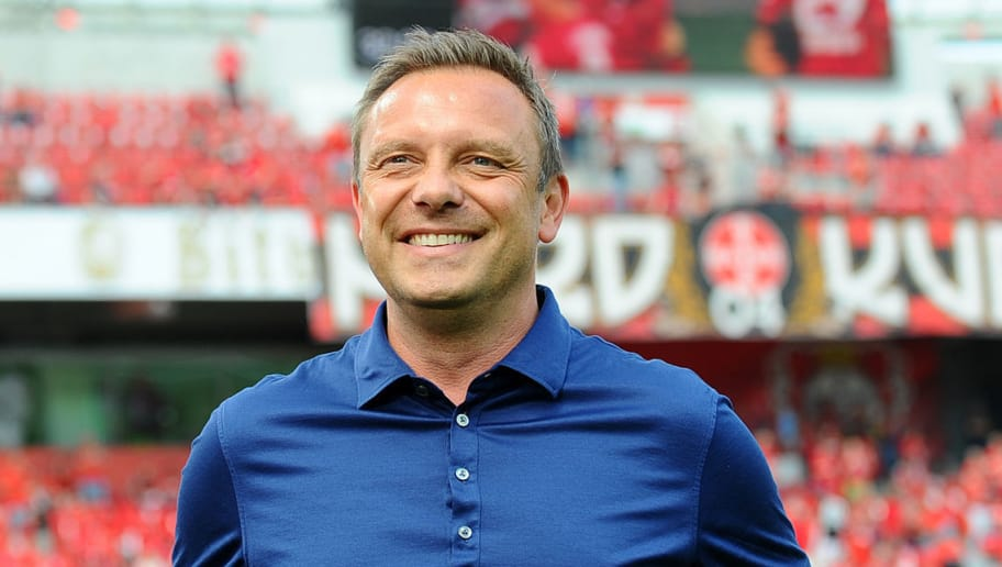 LEVERKUSEN, GERMANY - MAY 12: Head coach Andre Breitenreiter of Hannover laughs prior to the Bundesliga match between Bayer 04 Leverkusen and Hannover 96 at BayArena on May 12, 2018 in Leverkusen, Germany. (Photo by TF-Images/Getty Images)