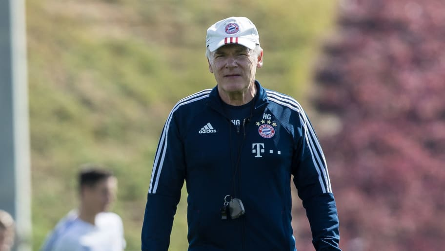DOHA, QATAR - JANUARY 07: Assistant coach Hermann Gerland of Muenchen looks on during the FC Bayern Muenchen training camp at Aspire Academy on January 07, 2018 in Doha, Qatar. (Photo by TF-Images/TF-Images via Getty Images)