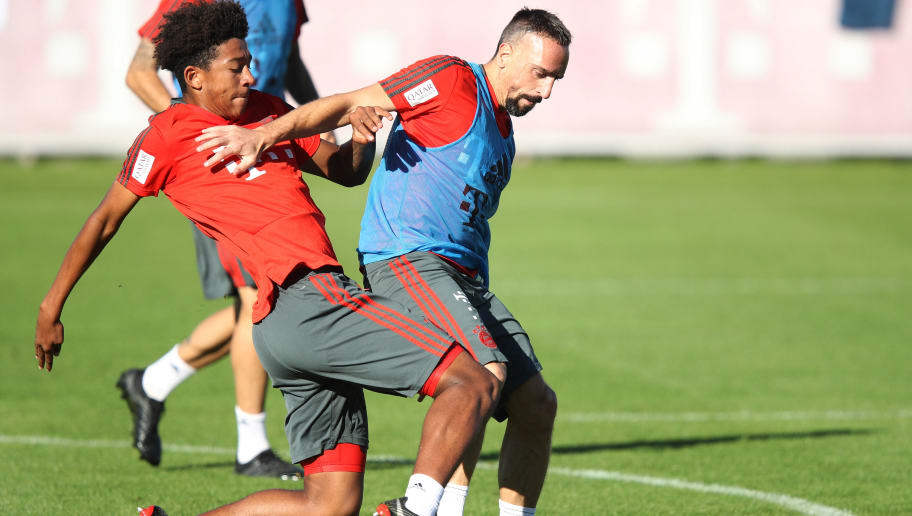 MUNICH, GERMANY - OCTOBER 11:  Franck Ribery of FC Bayern challenges for the ball during Bayern Muenchen training at Saebener Strasse training ground on October 11, 2018 in Munich, Germany.  (Photo by Adam Pretty/Bongarts/Getty Images)