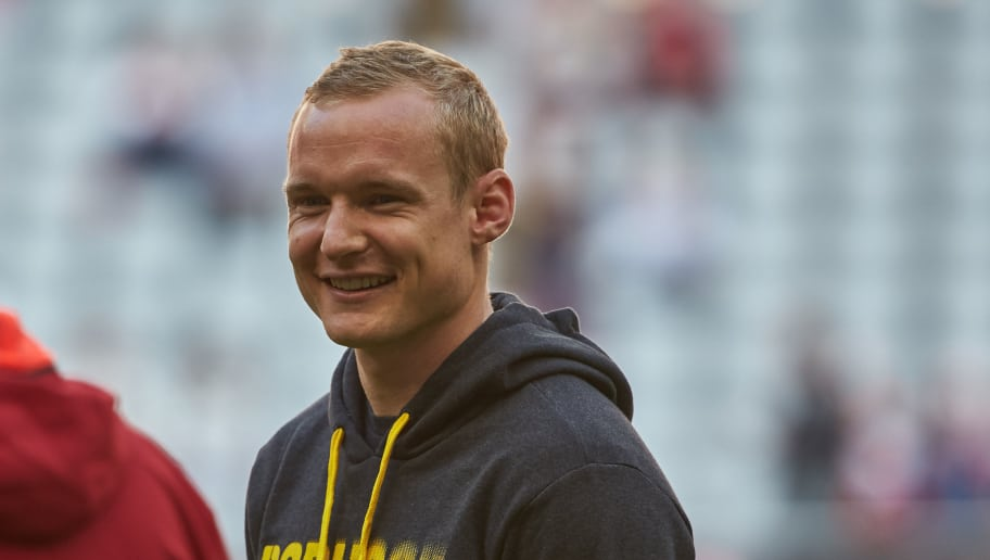 MUNICH, GERMANY - APRIL 08: Sebastian Rode of Dortmund looks on prior the Bundesliga match between Bayern Muenchen and Borussia Dortmund at Allianz Arena on April 8, 2017 in Munich, Germany. (Photo by TF-Images/Getty Images)