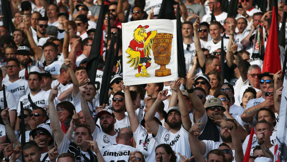 BERLIN, GERMANY - MAY 19:  Fans of Frankfurt enjoy the atmosphere prior to the DFB Cup final between Bayern Muenchen and Eintracht Frankfurt at Olympiastadion on May 19, 2018 in Berlin, Germany.  (Photo by Alex Grimm/Bongarts/Getty Images)