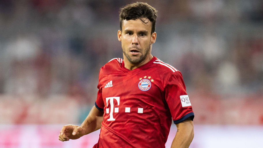 MUNICH, GERMANY - AUGUST 05: Juan Bernat of FC Bayern Muenchen runs with the ball during the friendly match between Bayern Muenchen and Manchester United at Allianz Arena on August 5, 2018 in Munich, Germany. (Photo by Boris Streubel/Getty Images)
