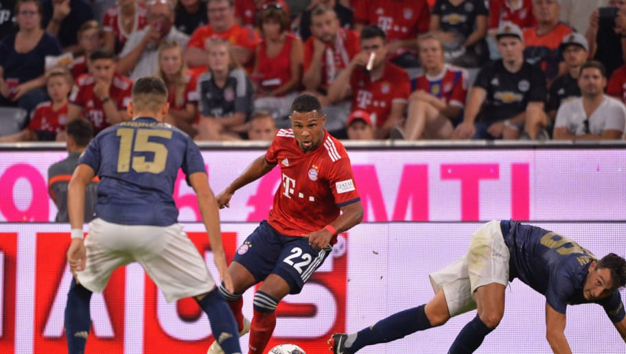 MUNICH, GERMANY - AUGUST 05: Andreas Pereira of Manchester United, Serge Gnabry of Bayern Muenchen and Matteo Darmian of Manchester United battle for the ball during the friendly match between Bayern Muenchen and Manchester United at Allianz Arena on August 5, 2018 in Munich, Germany. (Photo by TF-Images/Getty Images)