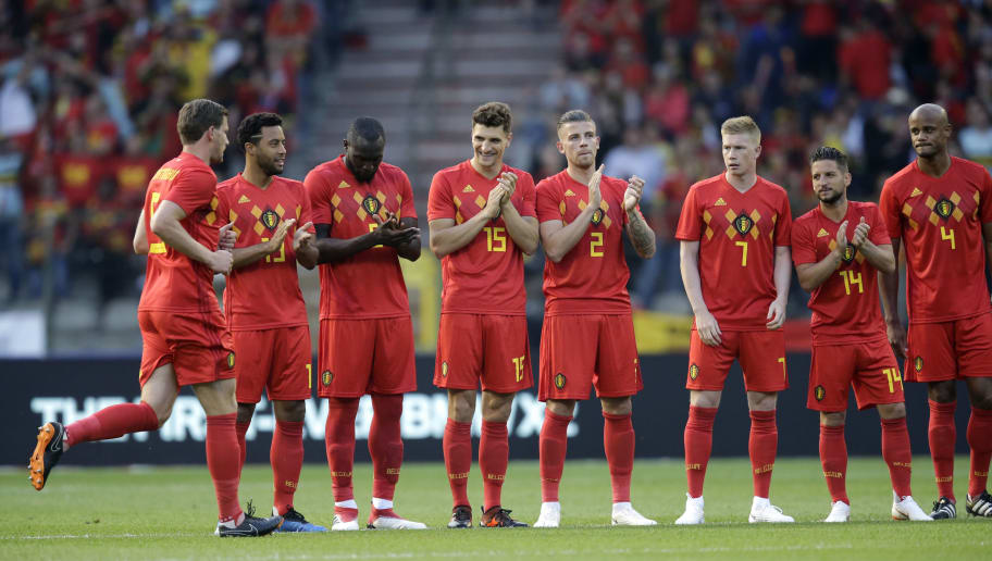 BRUSSEL, BELGIUM - JUNE 2: (L-R) Jan Vertonghen of Belgium 100 cap Belgium, Mousa Dembele of Belgium , Romelu Lukaku of Belgium , Thomas Meunier of Belgium , Toby Alderweireld of Belgium , Kevin de Bruyne of Belgium , Dries Mertens of Belgium , Vincent Kompany of Belgium  during the  International Friendly match between Belgium  v Portugal  at the Koning Boudewijnstadion on June 2, 2018 in Brussel Belgium (Photo by Peter Lous/Soccrates/Getty Images)