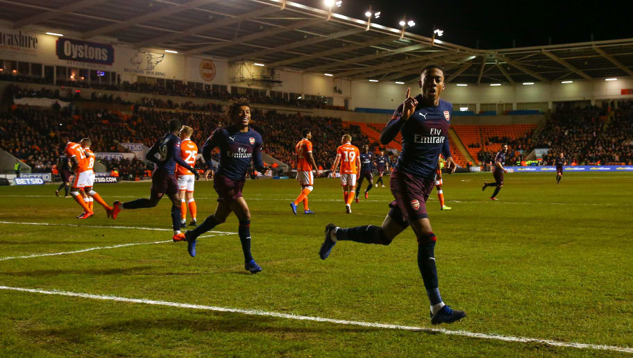 BLACKPOOL, ENGLAND - JANUARY 05: Joe Willock of Arsenal celebrates after scoring a goal to make it 0-1 during the FA Cup Third Round match between Blackpool and Arsenal at Bloomfield Road on January 5, 2019 in Blackpool, United Kingdom. (Photo by Robbie Jay Barratt - AMA/Getty Images)