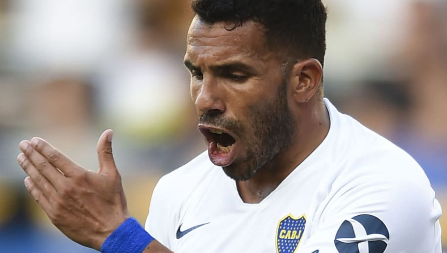 BUENOS AIRES, ARGENTINA - NOVEMBER 17: Carlos Tevez of Boca Juniors reacts after missing a chance to score during a match between Boca Juniors and Patronato as part of Superliga 2018/19 at Estadio Alberto J. Armando on November 17, 2018 in Buenos Aires, Argentina. (Photo by Marcelo Endelli/Getty Images)