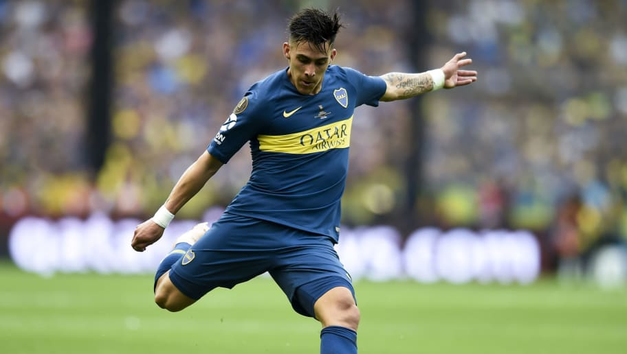 BUENOS AIRES, ARGENTINA - NOVEMBER 11: Cristian Pavon of Boca Juniors kicks the ball during the first leg match between Boca Juniors and River Plate as part of the Finals of Copa CONMEBOL Libertadores 2018 at Estadio Alberto J. Armando on November 11, 2018 in Buenos Aires, Argentina. The match was due to be played on November 10th and was rescheduled due to heavy storms in Buenos Aires. (Photo by Marcelo Endelli/Getty Images)