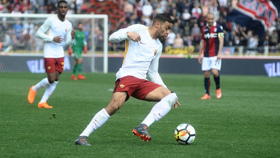 BOLOGNA, ITALY - MARCH 31:  Gregoire Defrel of AS Roma in action during the serie A match between Bologna FC and AS Roma at Stadio Renato Dall'Ara on March 31, 2018 in Bologna, Italy.  (Photo by Mario Carlini / Iguana Press/Getty Images)
