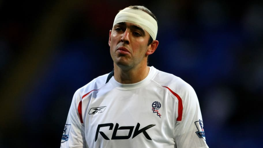 BOLTON, UNITED KINGDOM - NOVEMBER 11:  Gavin McCann of Bolton Wanderers wears a bandage around his head during Barclays Premier League match between Bolton Wanderers and Middlesbrough at the Reebok Stadium on November 11, 2007 in Bolton, England.  (Photo by Shaun Botterill/Getty Images)