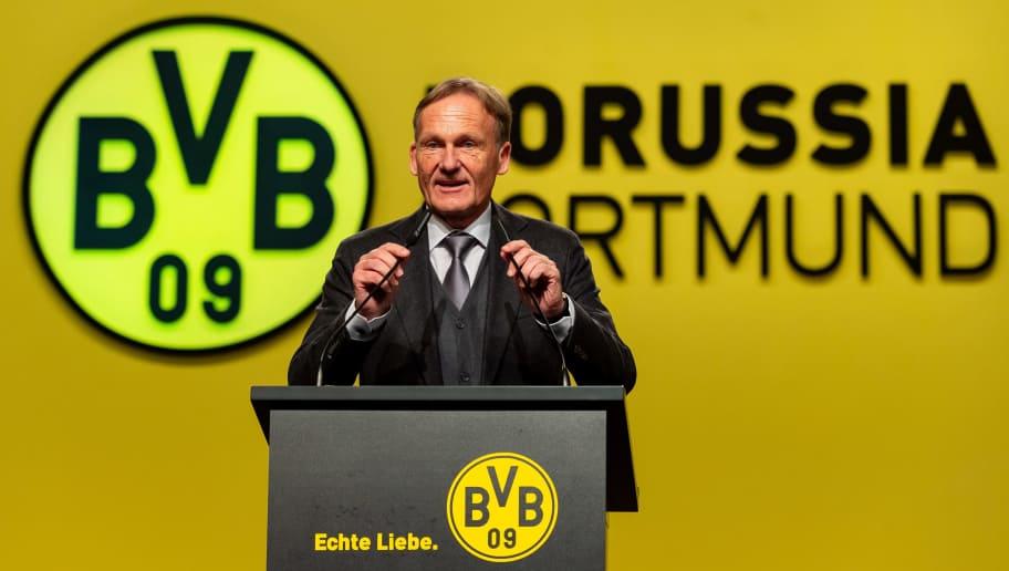 DORTMUND, GERMANY - NOVEMBER 26: CEO Hans-Joachim Watzke of Borussia Dortmund speaks during the Borussia Dortmund Stockholders' Meeting on November 26, 2018 in Dortmund, Germany. (Photo by TF-Images/Getty Images)