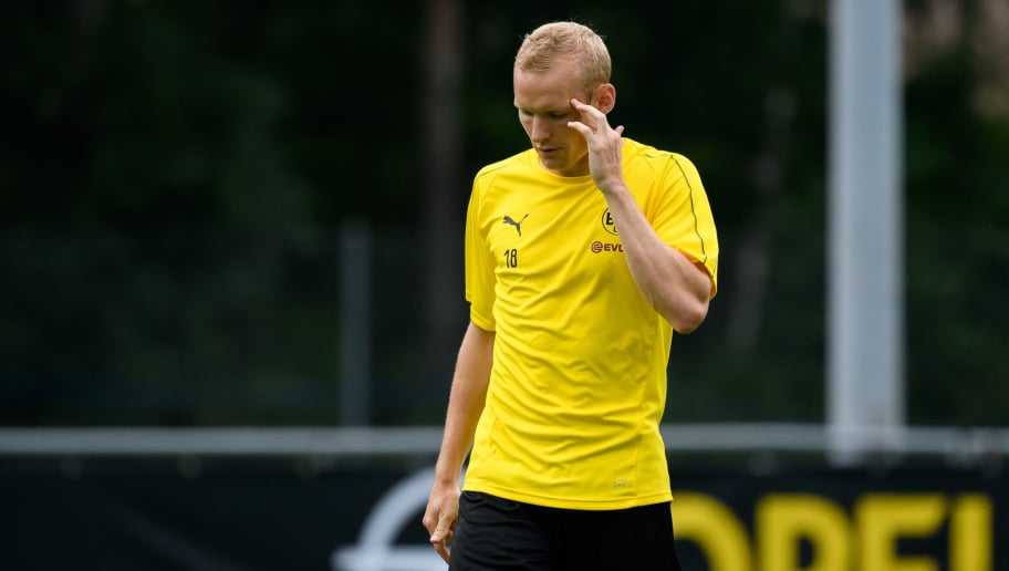 BAD RAGAZ, SWITZERLAND - AUGUST 01: Sebastian Rode of Dortmund gestures during the Borussia Dortmund training camp on August 1, 2018 in Bad Ragaz, Switzerland. (Photo by TF-Images/Getty Images)