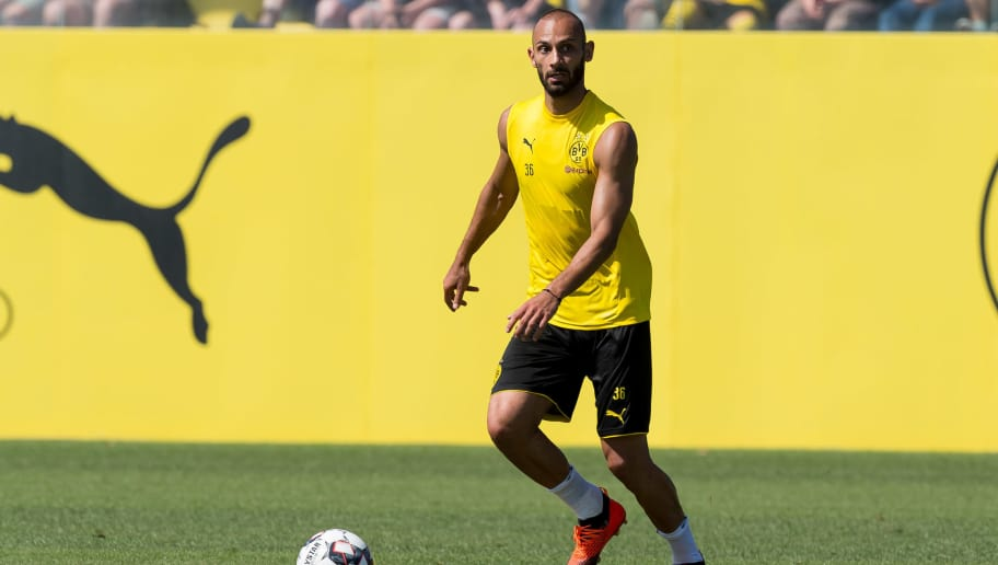 DORTMUND, GERMANY - JULY 30: Oemer Toprak of Borussia Dortmund controls the ball during the Borussia Dortmund Training Session on July 30, 2018 in Dortmund, Germany. (Photo by TF-Images/Getty Images)