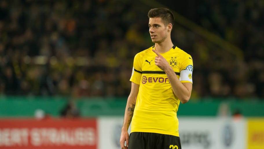 DORTMUND, GERMANY - OCTOBER 31: Julian Weigl of Borussia Dortmund gestures during the DFB Cup match between Borussia Dortmund and 1. FC Union Berlin at Signal Iduna Park on October 31, 2018 in Dortmund, Germany. (Photo by TF-Images/Getty Images)