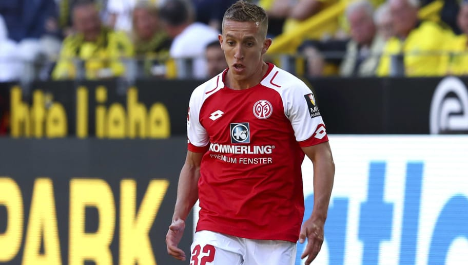 DORTMUND, GERMANY - MAY 05: Pablo De Blasis of Mainz controls the ball during the Bundesliga match between Borussia Dortmund and 1. FSV Mainz 05 at Signal Iduna Park on May 5, 2018 in Dortmund, Germany. (Photo by TF-Images/Getty Images)