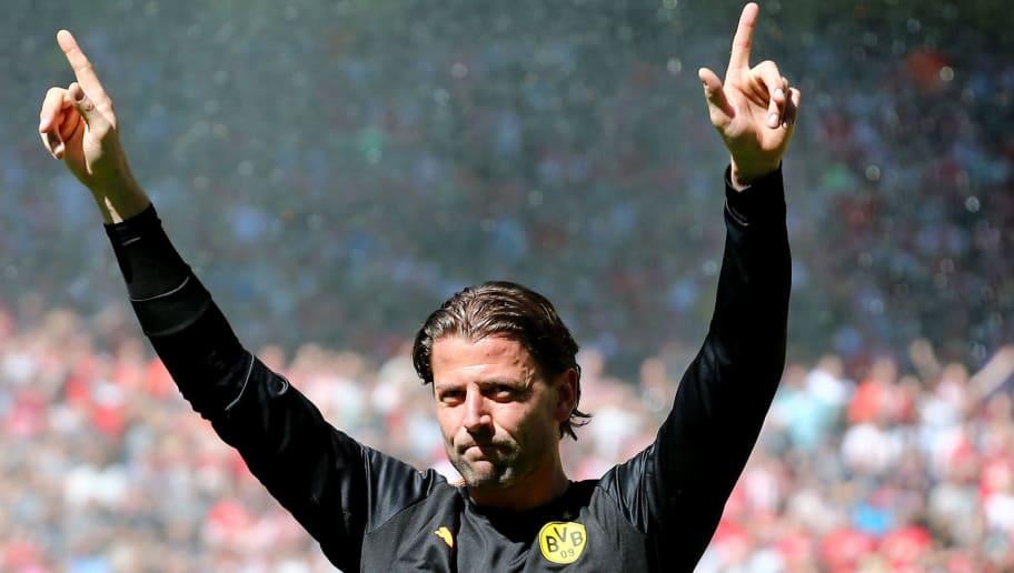 DORTMUND, GERMANY - MAY 05: Roman Weidenfeller of Dortmund says farewell prior to the Bundesliga match between Borussia Dortmund and 1. FSV Mainz 05 at Signal Iduna Park on May 5, 2018 in Dortmund, Germany. (Photo by Christof Koepsel/Bongarts/Getty Images)