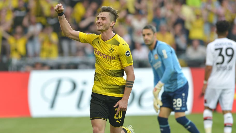 DORTMUND, GERMANY - APRIL 21: Maximilian Philipp of Dortmund celebrates after scoring his team`s third goal during the Bundesliga match between Borussia Dortmund and Bayer 04 Leverkusen at Signal Iduna Park on April 21, 2018 in Dortmund, Germany. (Photo by TF-Images/Getty Images)