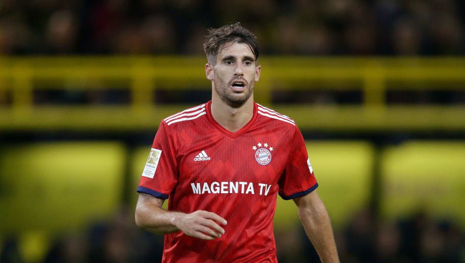 DORTMUND, GERMANY - NOVEMBER 10: Javi Martinez of Bayern Munchen  during the German Bundesliga  match between Borussia Dortmund v Bayern Munchen at the Signal Iduna Park on November 10, 2018 in Dortmund Germany (Photo by Peter Lous/Soccrates/Getty Images)
