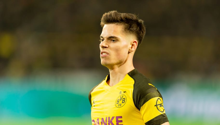 DORTMUND, GERMANY - DECEMBER 21: Julian Weigl of Borussia Dortmund looks on during the Bundesliga match between Borussia Dortmund and Borussia Moenchengladbach at Signal Iduna Park on December 21, 2018 in Dortmund, Germany. (Photo by TF-Images/TF-Images via Getty Images)