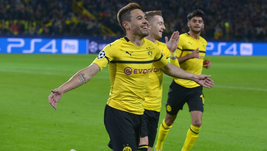 DORTMUND, GERMANY - OCTOBER 24: Raphael Guerreiro of Borussia Dortmund celebrates after scoring his team`s second goal during the UEFA Champions League Group A match between Borussia Dortmund and Club Atletico de Madrid at Signal Iduna Park on October 24, 2018 in Dortmund, Germany. (Photo by TF-Images/Getty Images)