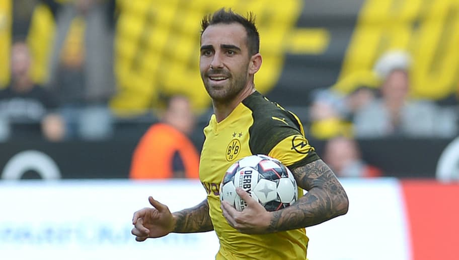 DORTMUND, GERMANY - OCTOBER 06: Paco Alcacer of Borussia Dortmund celebrates after scoring his team`s first goal during the Bundesliga match between Borussia Dortmund and FC Augsburg at Signal Iduna Park on October 6, 2018 in Dortmund, Germany. (Photo by TF-Images/Getty Images)