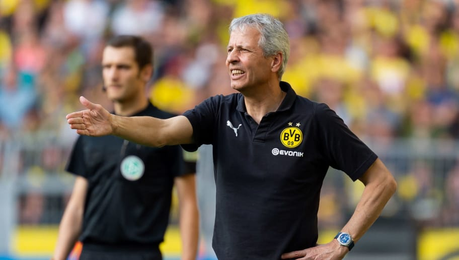 DORTMUND, GERMANY - OCTOBER 06: Head coach Lucien Favre of Borussia Dortmund gestures during the Bundesliga match between Borussia Dortmund and FC Augsburg at Signal Iduna Park on October 6, 2018 in Dortmund, Germany. (Photo by TF-Images/Getty Images)